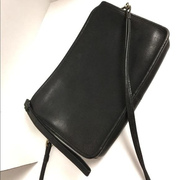 Coach Handbags - Vintage Coach Shoulder Bag